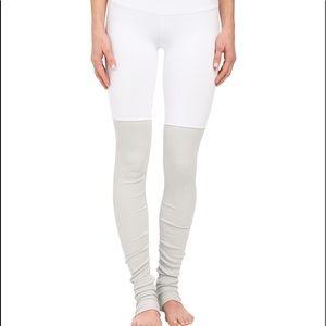 Alo Yoga Goddess Leggings. Xxs. White and grey.